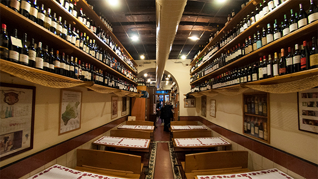 Cul De Sac- Best Restaurants in Rome, a neighborhood enoteca with classic Roman food.