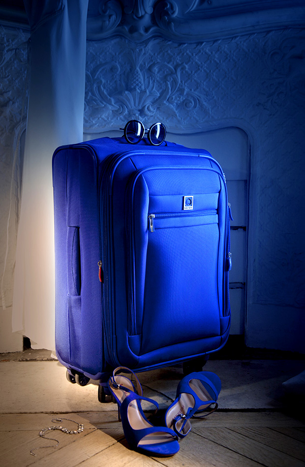 Delsey Hyperlite Spinners- Best Light Suitcase in the World
